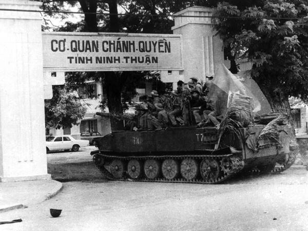 Kết quả hình ảnh cho Quân đoàn 1 dù phải hành quân cấp tốc từ miền Bắc vào chi viện