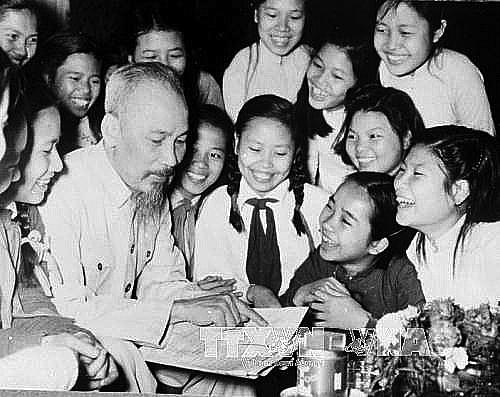 Chủ tịch Hồ Chí Minh: Tấm gương học tập suốt đời