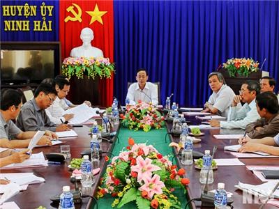 Đồng chí Nguyễn Đức Thanh, Bí thư Tỉnh ủy làm việc với Thường trực Huyện ủy Ninh Hải