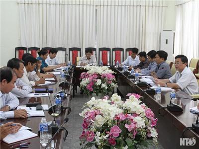 Đồng chí Lưu Xuân Vĩnh, Chủ tịch UBND tỉnh chủ trì cuộc họp Ban Chỉ đạo Chương trình mục tiêu quốc gia Xây dựng nông thôn mới