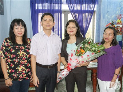 Đồng chí Bùi Nhật Quang, Phó Chủ tịch UBND tỉnh thăm Hội Liên hiệp Phụ nữ tỉnh
