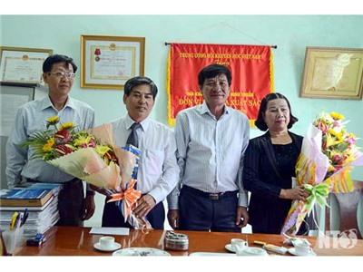 Đồng chí Võ Đại, Phó Chủ tịch UBND tỉnh thăm chúc mừng Ngày Nhà giáo Việt Nam