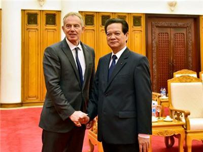 Thủ tướng Nguyễn Tấn Dũng tiếp cựu Thủ tướng Anh