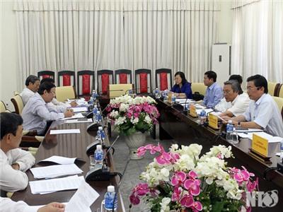 UBND tỉnh: Xem xét các tờ trình chuẩn bị tại kỳ họp thứ 13, HĐND tỉnh khóa IX