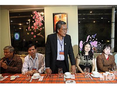 Đồng chí Lê Văn Bình, Phó Chủ tịch UBND tỉnh thăm giáo viên và học sinh tham dự kỳ thi THPT tại Đà Lạt
