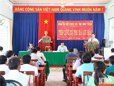 Đoàn ĐBQH tỉnh tiếp xúc cử tri xã Phước Hữu, xã Lợi Hải