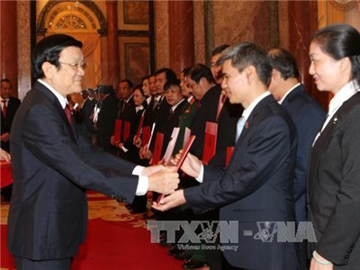 Chủ tịch nước trao quyết định bổ nhiệm thẩm phán Tòa án NDTC