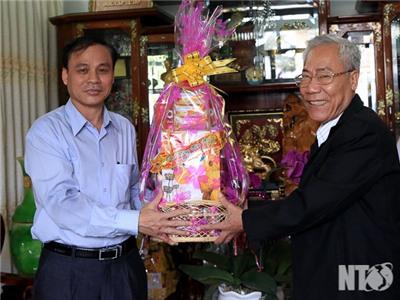 Đồng chí Nguyễn Bắc Việt, Phó Bí thư Thường trực Tỉnh uỷ thăm, chúc tết các cơ quan và cá nhân tiêu biểu