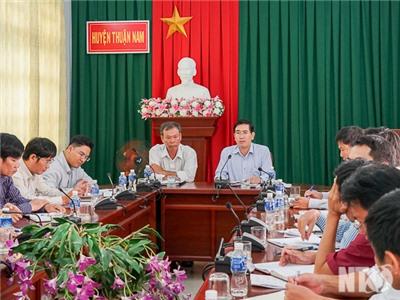 Đồng chí Phạm Văn Hậu, Phó Chủ tịch UBND tỉnh làm việc với huyện Thuận Nam