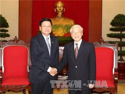 Tổng Bí thư tiếp Thủ tướng Lào Thoongloun Sisoulith