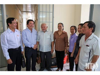 Đồng chí Lưu Xuân Vĩnh, Chủ tịch UBND tỉnh tiếp xúc cử tri phường Mỹ Hương và Đạo Long