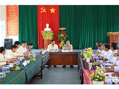 Đồng chí Nguyễn Đức Thanh, Ủy viên Trung ương Đảng, Bí thư Tỉnh ủy làm việc với Đảng ủy thị trấn Phước Dân