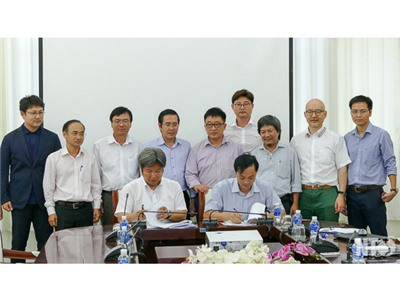 Đồng chí Phạm Văn Hậu, Phó Chủ tịch UBND tỉnh làm việc với Công ty Cổ phần Đầu tư Hacom Holding về Dự án Đầu tư sản xuất điện mặt trời