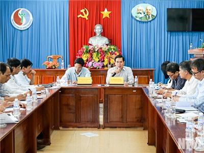 Đồng chí Phạm Văn Hậu, Phó Chủ tịch UBND tỉnh làm việc với Sở Tài nguyên và Môi trường