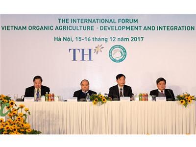 Thủ tướng Nguyễn Xuân Phúc: Phát triển nông nghiệp hữu cơ một cách bài bản, khoa học