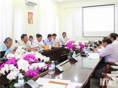 UBND tỉnh họp nghe báo cáo, đề xuất giải quyết một số dự án