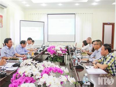 Đồng chí Lưu Xuân Vĩnh, Phó Bí thư Tỉnh ủy, Chủ tịch UBND tỉnh làm việc với Đoàn công tác Ngân hàng Thế giới