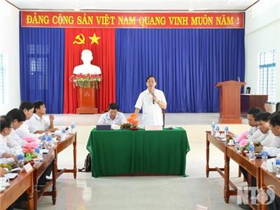 Đồng chí Nguyễn Đức Thanh, Ủy viên Trung ương Đảng, Bí thư Tỉnh ủy, Chủ tịch HĐND tỉnh làm việc với Đảng ủy xã Lâm Sơn