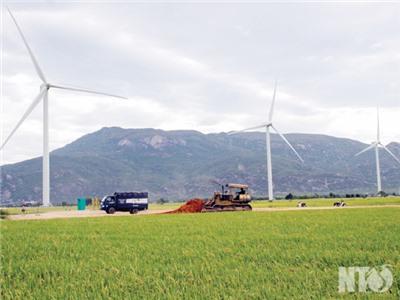 Bài 1: Phát huy lợi thế về năng lượng sạch