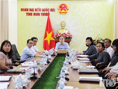 Phiên họp thứ 26 của Ủy ban Thường vụ Quốc hội khóa XIV: Chất vấn và trả lời chất vấn hai Bộ trưởng