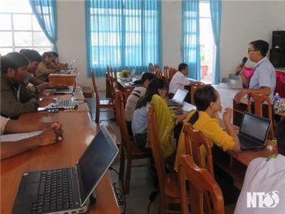 Thuận Bắc: Tập huấn kỹ năng sử dụng công nghệ thông tin cho người dân