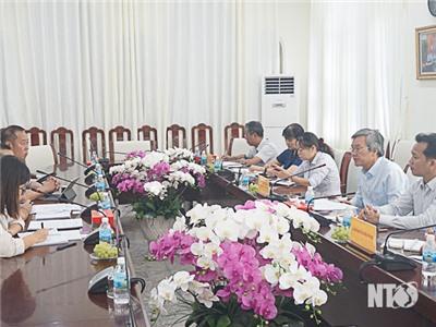 Đồng chí Lê Văn Bình, UVTV Tỉnh ủy, Phó Chủ tịch UBND tỉnh làm việc với cơ quan JICA và Tổ chức Phi lợi nhuận Manabiya Tsubasa