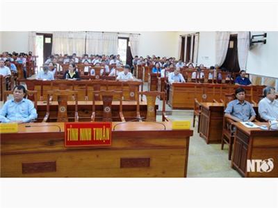 Hội nghị báo cáo viên Trung ương tháng 2
