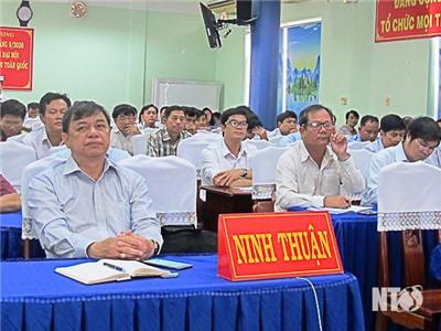 Hội nghị báo cáo viên Trung ương tháng 9