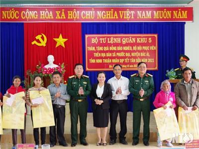 Đoàn công tác Quân khu 5 thăm, chúc Tết tại Ninh Thuận