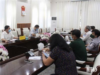 Họp khẩn công tác tổ chức tiếp nhận, cách ly 224 công dân Việt Nam, người nước ngoài về cách ly y tế tập trung tại tỉnh ta