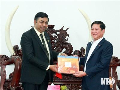 Đồng chí Trần Quốc Nam, Phó Bí thư Tỉnh ủy, Chủ tịch UBND tỉnh tiếp và làm việc với Tổng lãnh sự Ấn Độ tại TP. Hồ Chí Minh