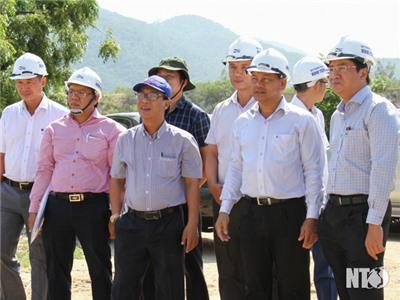 Đồng chí Nguyễn Long Biên, UVTV Tỉnh ủy, Phó Chủ tịch UBND tỉnh làm việc với Công ty Cổ phần Đầu tư và Du lịch Bình Tiên