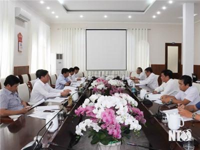 Ban Cán sự Đảng UBND tỉnh họp góp ý dự thảo Nghị quyết của Tỉnh ủy về đẩy mạnh nông nghiệp ứng dụng công nghệ cao