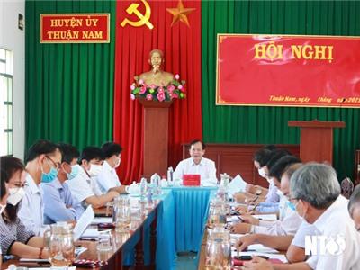 Tổ khảo sát số 2 của Tỉnh ủy làm việc với Huyện ủy Thuận Nam và Huyện ủy Ninh Hải về thực hiện Nghị quyết số 07-NQ/TU